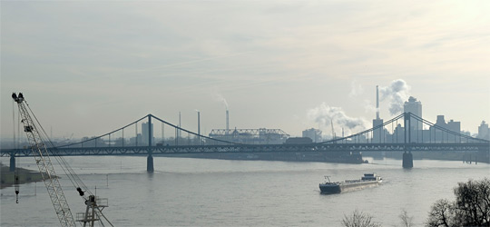 Ausblick auf den Rhein in Krefeld-Uerdingen