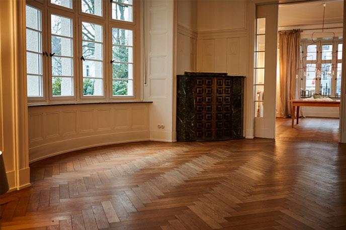 Leeres Wohnzimmer ohne Home Staging