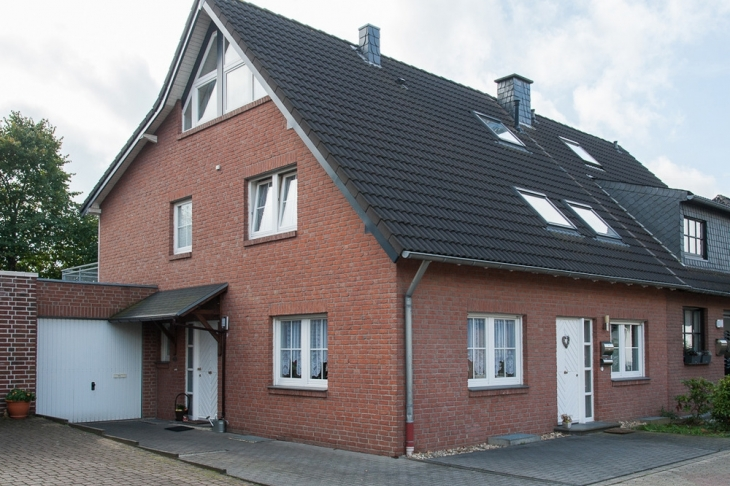 haus kaufen in krefeld h user von schreurs immobilien. Black Bedroom Furniture Sets. Home Design Ideas