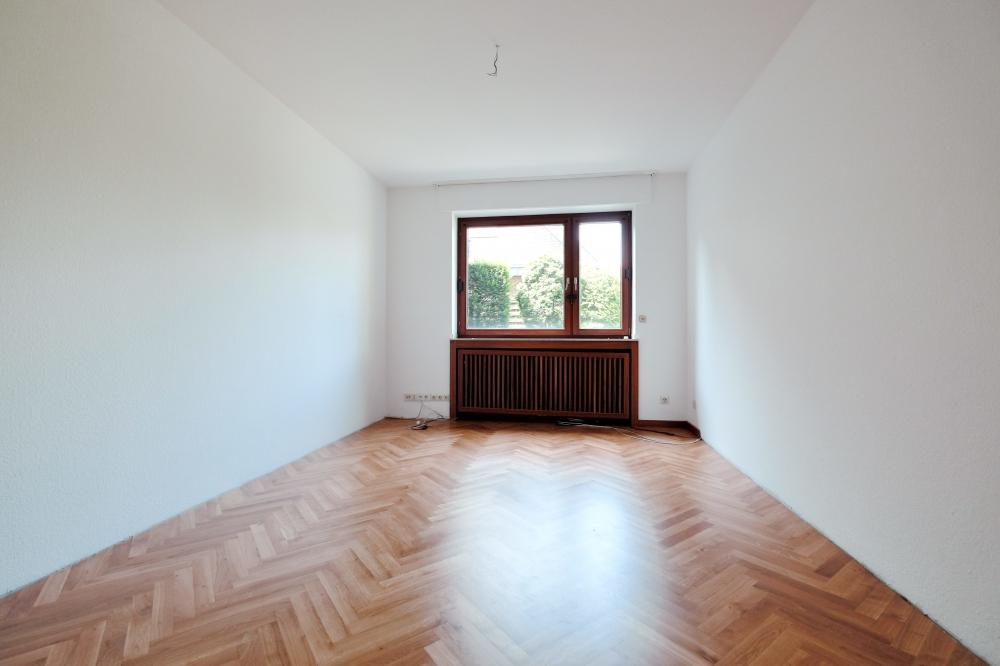 krefeld bockum einfamilienhaus mit viel platz sucht neuen mieter schreurs immobilien. Black Bedroom Furniture Sets. Home Design Ideas