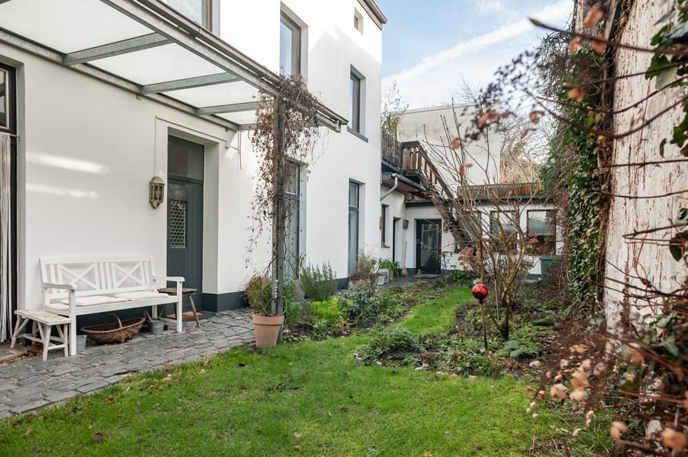 Eine Oase Mitten In Der Stadt Modernisiertes Stadthaus Mit Garten