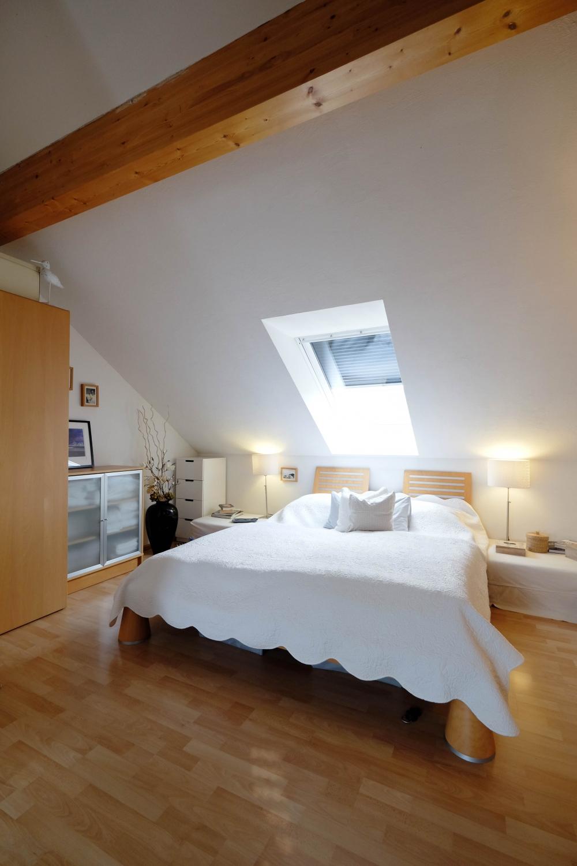 beleuchtung offenes dachgeschoss. Black Bedroom Furniture Sets. Home Design Ideas