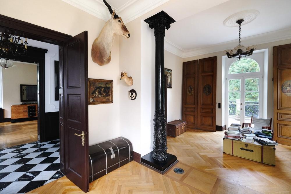 Gartenansicht; Vordernansicht; Seitenansicht; Entrée Und Diele; Wohnzimmer  Und Bibliothek; Esszimmer; Moderne Einbauküche ...